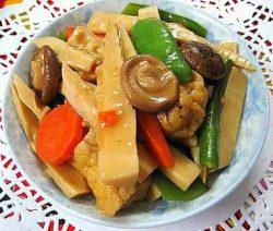 Ngon đậm đà với món chay rau củ kho 8