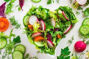 Nếu tổ tiên  của bạn là những người ăn chay  mà bạn ăn thịt , bạn có thể có nhiều khả năng bị mắc bệnh ung thư và bệnh tim. 1