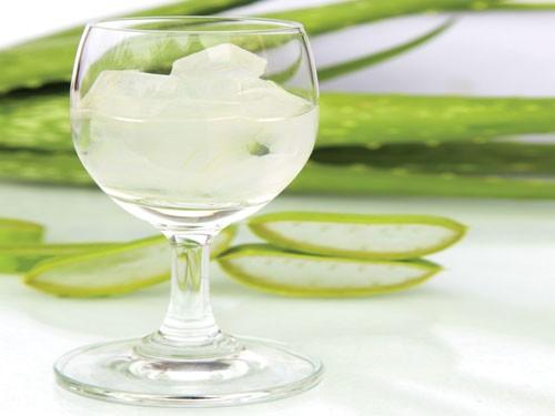 Nước nha đam vừa làm món chay vừa làm đẹp