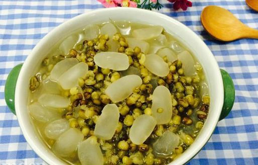 Vì sao chuyên gia sức khỏe khuyên bạn nên ăn đậu xanh thường xuyên?