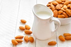 Sữa hạnh nhân: giàu dưỡng chất cho người ăn chay 1