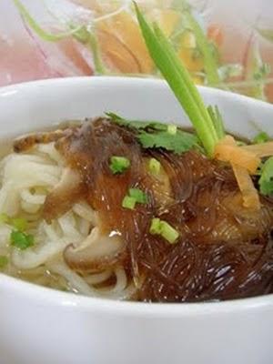 Ăn ngon với : Mì vi cá chay Đại Hàn .