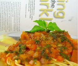 Mì Spaghetti Nấu Xốt Cà Chua và Thảo Mộc 10