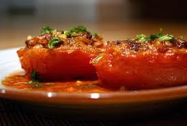 Món chay : Cà chua nhồi thịt .