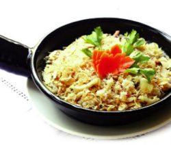 Món chay : Cơm chiên cá mặn . 2