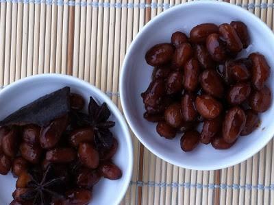 Món chay : Đậu phộng hầm ngũ vị hương .