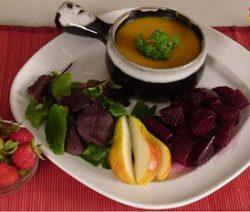 Món chay : Soup Bí Lê Cà Ri Và Củ Dền Ngọt. 4