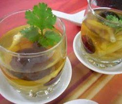 Món chay : Soup nấm kim châm với táo tàu đỏ . 8