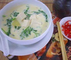 Món chay : Soup sà – lách son sữa đậu nành . 6