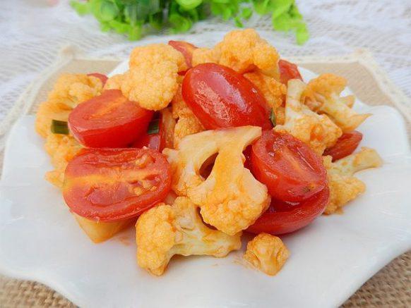 Súp lơ xào cà chua 1